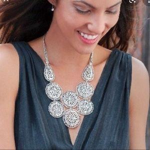 stella & dot ~ Medina bib statement necklace